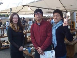 取材時の様子 左:金子 智慧美さん(ラジオボランティア)、真ん中:森里 龍生さん、右:島本 健太郎さん(ラジオボランティア)