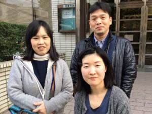 左:岡田 裕子さん(京都黒笛音楽隊)、行方 一喜さん(京都黒笛音楽隊)、手前:原武 結佳さん(ラジオボランティア)