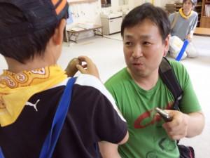 取材の様子(右:ラジオ製作チーム「東山キコカ」田中哲男さん)