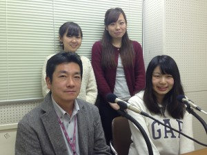 手前左:中村武生先生、手前右:井場 菜央子さん、 後ろ左:嘉野加奈子さん、後ろ右:福永紗弓さん