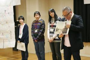 センターイベント「京都・弥栄の暮らし絵屏風」発表の様子