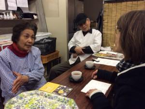 取材の様子 木村ご夫妻(京山食品)と橋本宣子さん(東山キコカ)